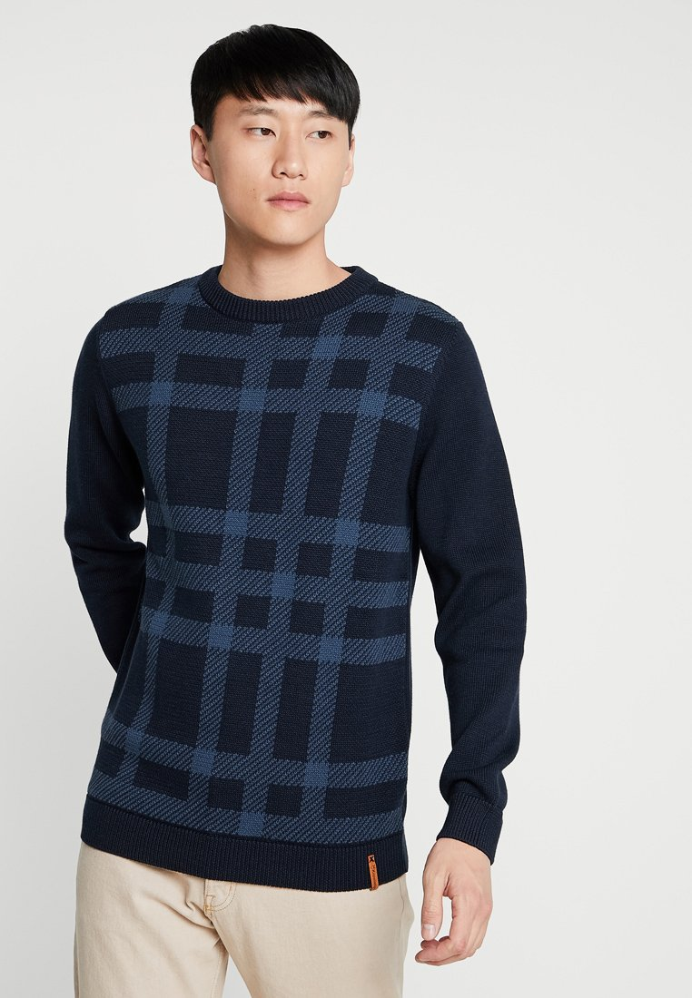 Knowledge Cotton Apparel - BIG CHECKED O-NECK - Strickpullover - total eclipse