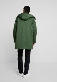 Knowledge Cotton Apparel - LONG SOFT SHELL JACKET  - Talvitakki - green forest - 2