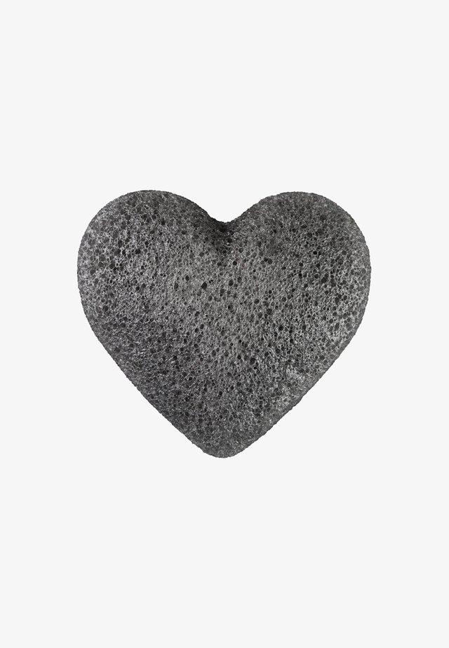 K SPONGE KONJAC HEART - Skincare tool - bamboo charcoal