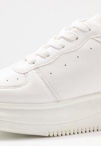 Koi Footwear - VEGAN - Tenisky - white - 2