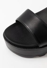Koi Footwear - VEGAN  - Sandály na platformě - black - 2