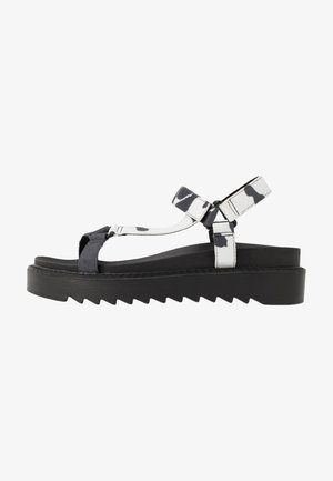 VEGAN  - Plateausandalette - black