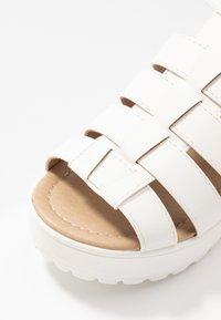 Koi Footwear - VEGAN - Sandály na platformě - white - 2