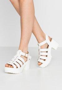 Koi Footwear - VEGAN - Sandály na platformě - white - 0