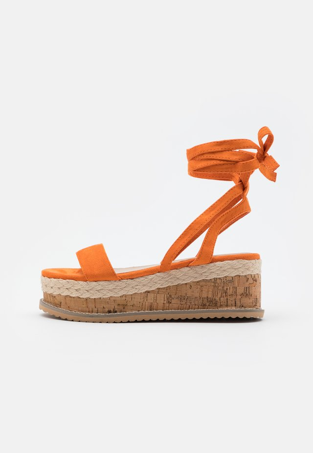 VEGAN FAN - Platform sandals - orange