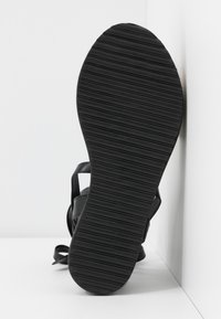Koi Footwear - VEGAN FAN - Platform sandals - black - 6