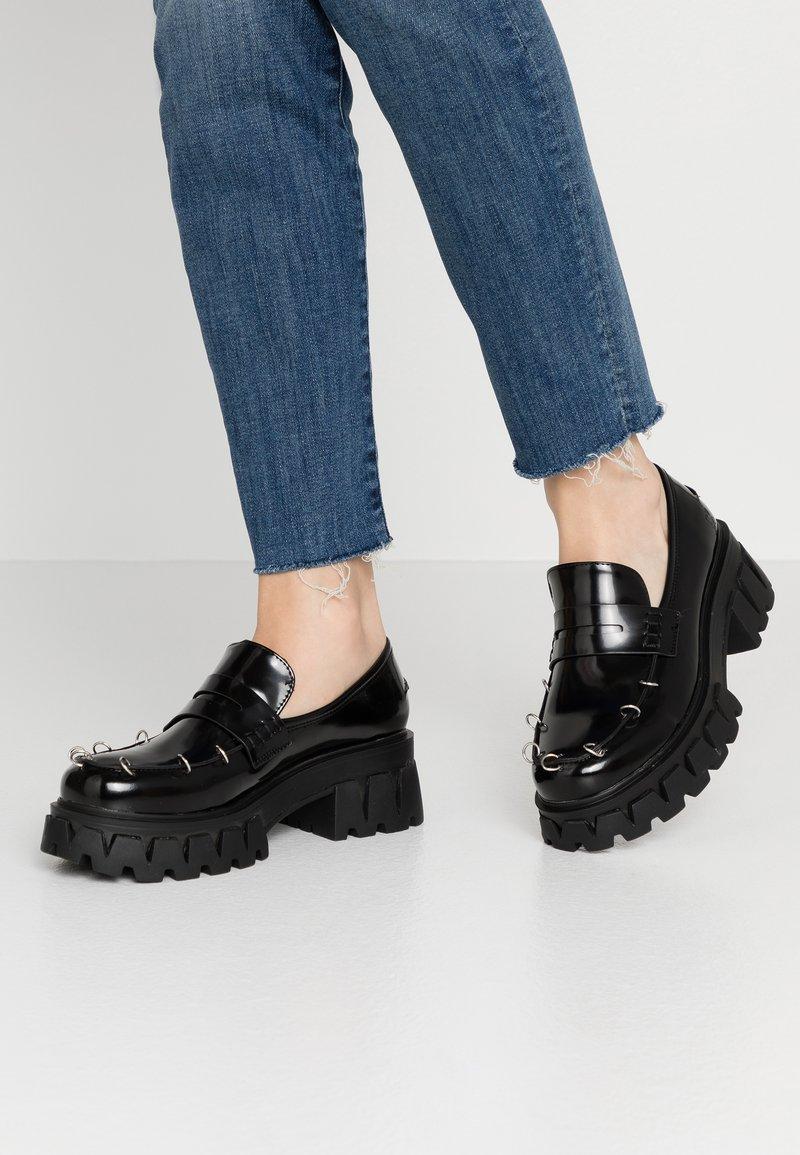 Koi Footwear - VEGAN GENSAI ASHEN PIERCED LOAFERS  - Lodičky splatformou - black