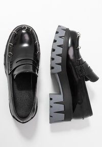 Koi Footwear - VEGAN GENSAI ASHEN PIERCED LOAFERS  - Platåpumps - black shine/grey - 3