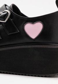 Koi Footwear - VEGAN - Loaferit/pistokkaat - black - 2