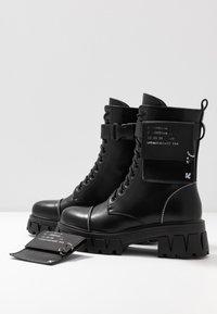 Koi Footwear - VEGAN BANSHEE - Botines con plataforma - all black - 7