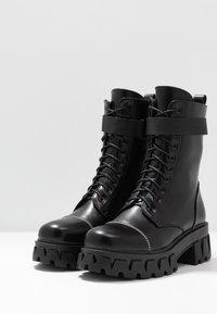 Koi Footwear - VEGAN BANSHEE - Botines con plataforma - all black - 4