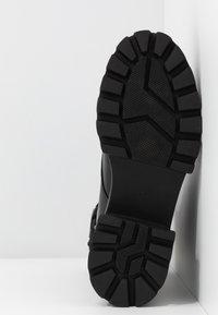 Koi Footwear - VEGAN BANSHEE - Botines con plataforma - all black - 6