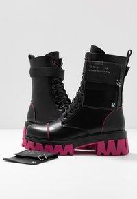 Koi Footwear - VEGAN BANSHEE - Kotníkové boty na platformě - black/purple - 7