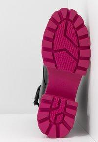 Koi Footwear - VEGAN BANSHEE - Kotníkové boty na platformě - black/purple - 6