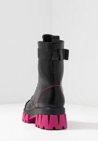 Koi Footwear - VEGAN BANSHEE - Kotníkové boty na platformě - black/purple - 5