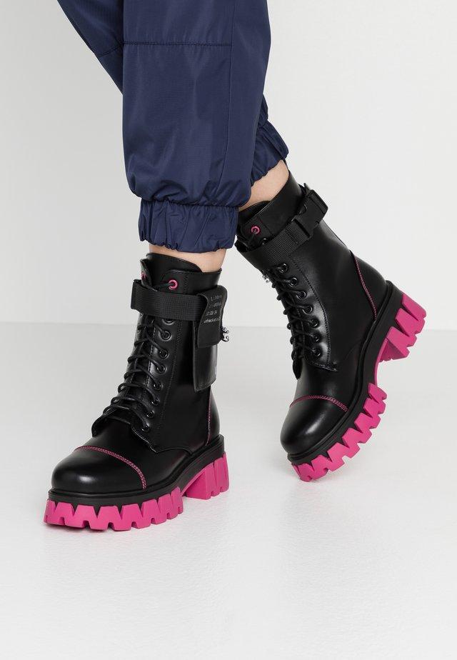 VEGAN BANSHEE - Platform ankle boots - black/purple