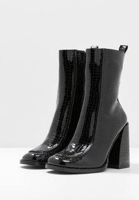 Koi Footwear - VEGAN  - High heeled ankle boots - black - 4