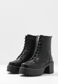 Koi Footwear - VEGAN DL3 - Kotníkové boty na platformě - black - 4