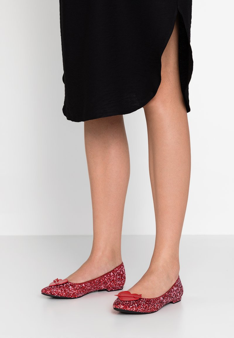 Katy Perry - THE CUPID - Ballet pumps - spanish red