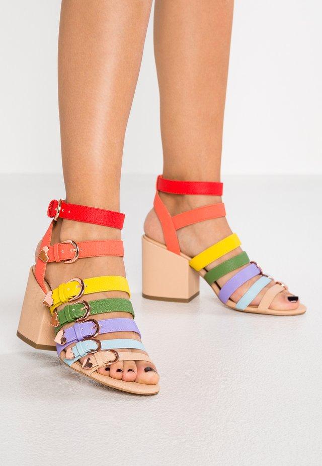THE NIKKITA - Sandaletter - scarlett
