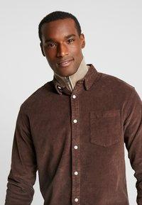 Kronstadt - JOHAN - Chemise - chocolate brown - 3