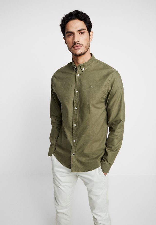 JOHAN OXFORD WASHED - Shirt - moos