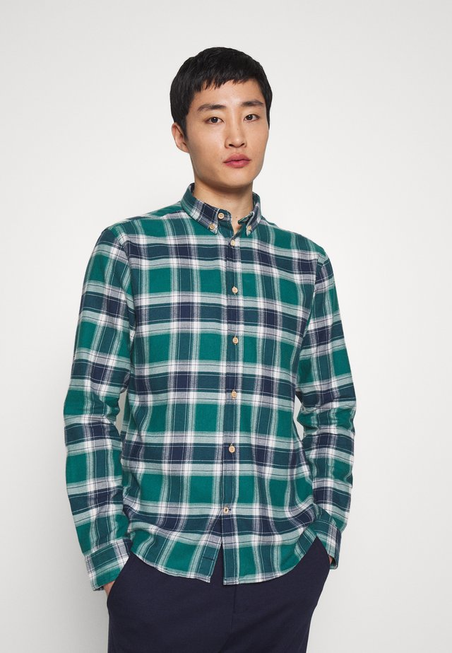 JOHAN - Shirt - green