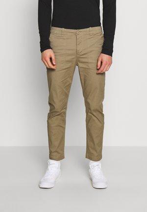 DICK - Pantaloni - sand
