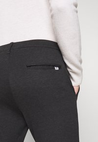 Kronstadt - CLUB PANT - Pantalon classique - black - 5