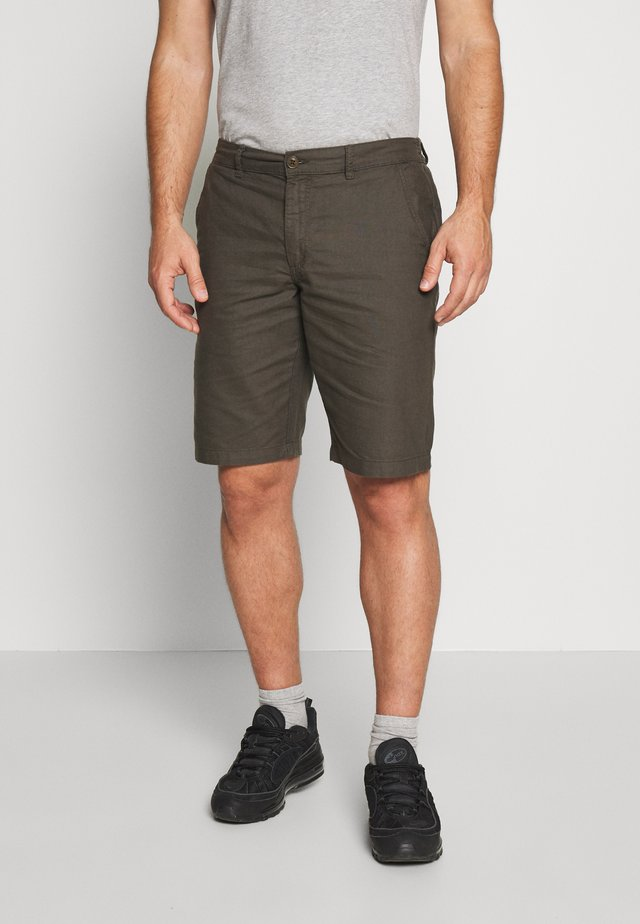HECTOR OXFORD WASHED - Shorts - army