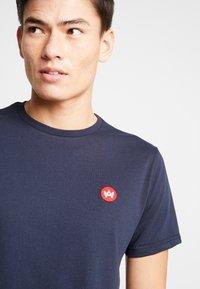 Kronstadt - TIMMI TEE - T-shirts - navy - 3