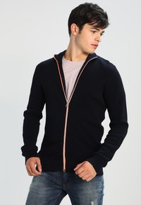 Kronstadt - ERIK ZIP - Chaqueta de punto - navy/orange - 0