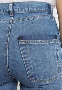 Ksenia Schnaider - SLIM JEANS WITH FRONT STRIPES - Slim fit jeans - medium blue - 5