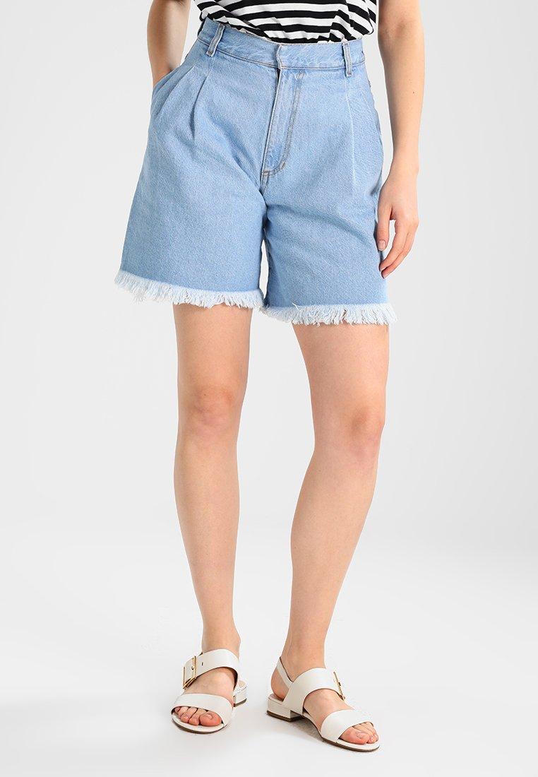 Ksenia Schnaider - HIGH WAISTED - Shorts vaqueros - light blue