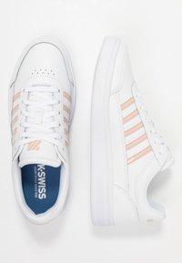 K-SWISS - COURT CHASSEUR - Sneakers laag - white/spanish villa - 3