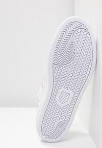 K-SWISS - COURT CHASSEUR - Sneakers laag - white/spanish villa - 6