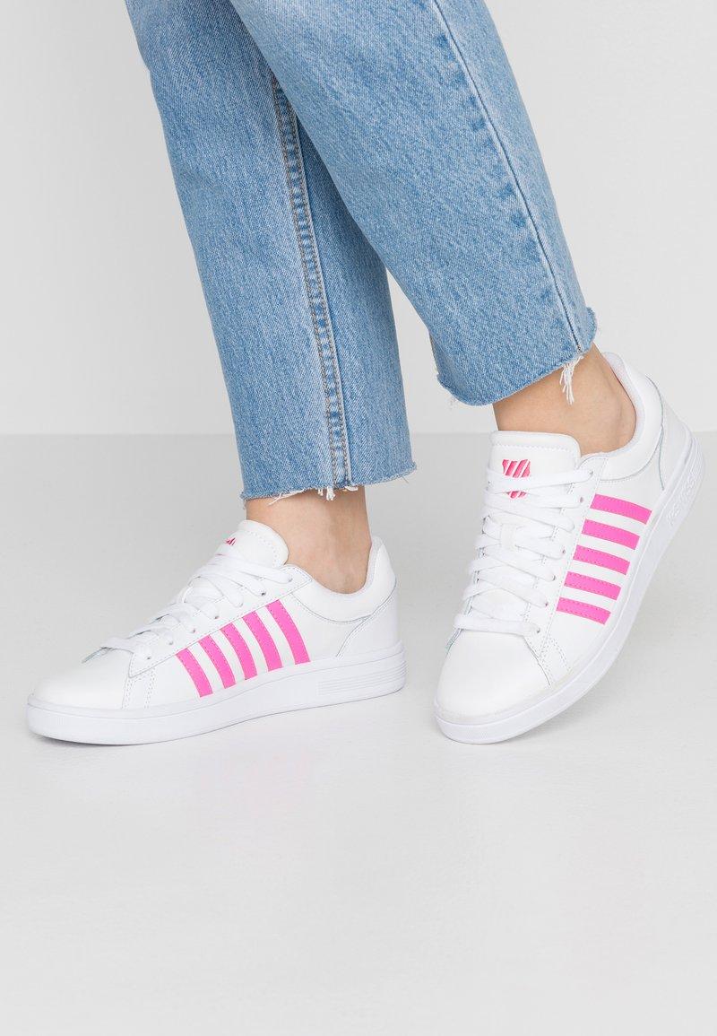 K-SWISS - COURT WINSTON - Sneaker low - white/neon pink
