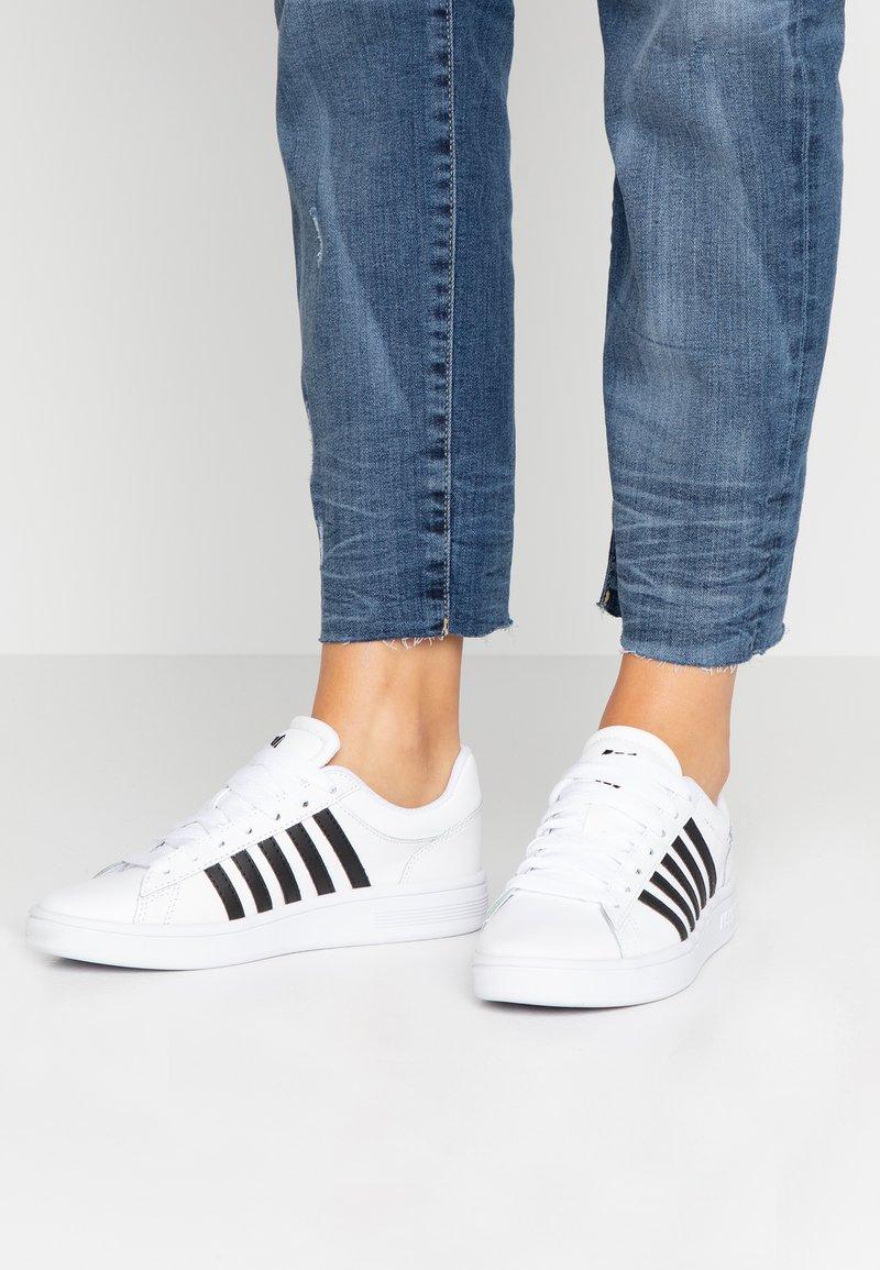K-SWISS - COURT WINSTON - Sneaker low - white/black