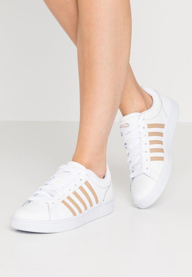 COURT WINSTON - Sneakers laag - white/nougat