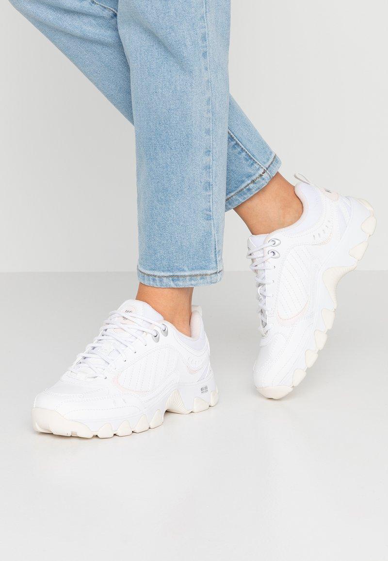 K-SWISS - Sneaker low - white/pink