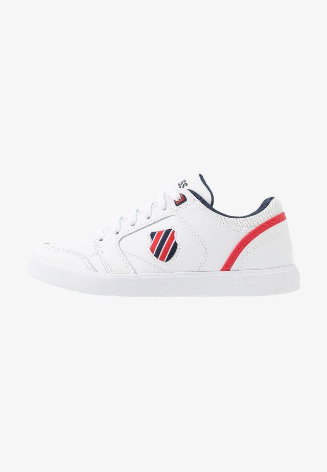 COURT FREEMONT - Zapatillas - white/corporate