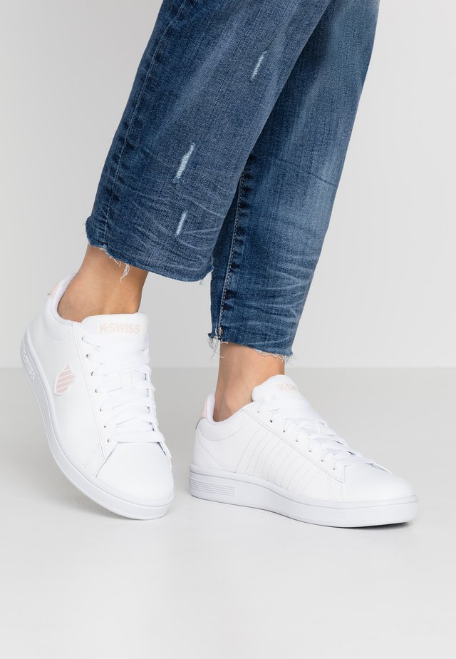 COURT SHIELD - Sneakers laag - white/pearl