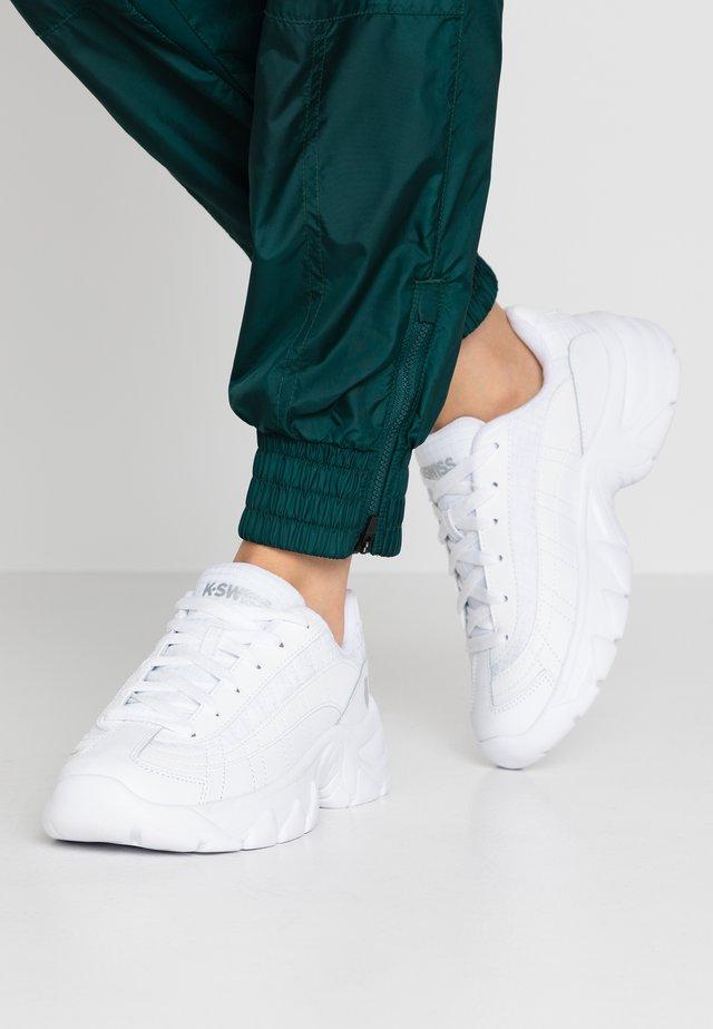Zapatillas - white/silver