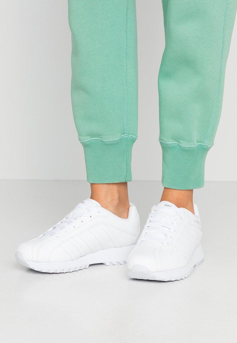 K-SWISS - VERSTAD - Zapatillas - white