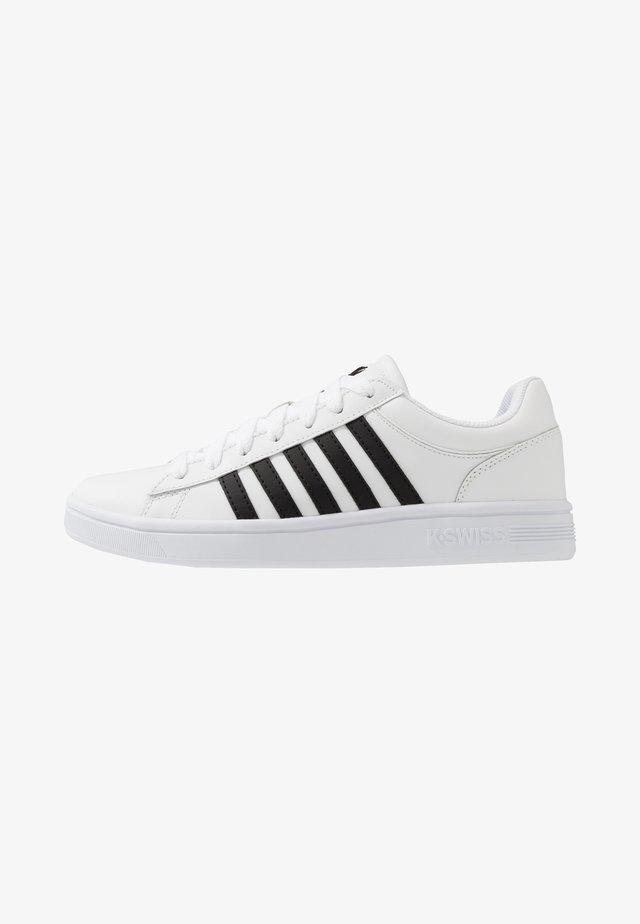 COURT WINSTON - Sneaker low - white/black