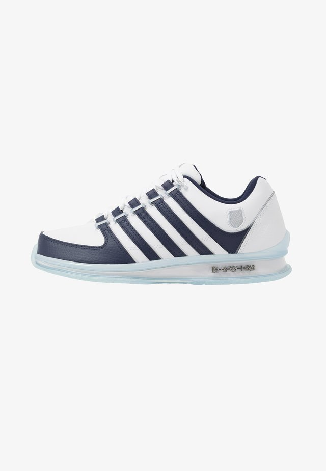 RINZLER 15 YRS - Sneakers laag - white/navy/crystal clear