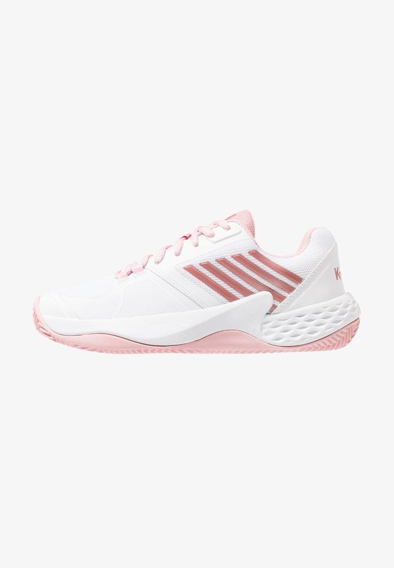 K-SWISS - AERO COURT HB - Tennisschuh für Sandplätze - white/coral blush/metallic rose