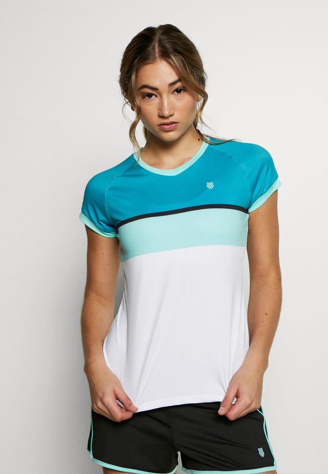 HYPERCOURT STRIPE TEE - T-shirt med print - aruba blue/algiers blue/white