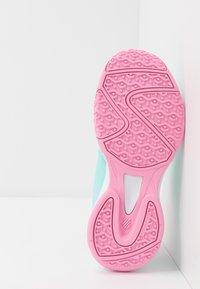 K-SWISS - COURT EXPRESS OMNI - Multicourt tennis shoes - aruba blue/soft neon pink/white - 5