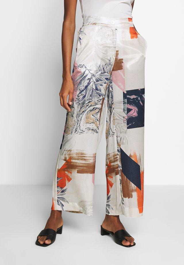 ANNIEKB PANTS - Spodnie materiałowe - egret